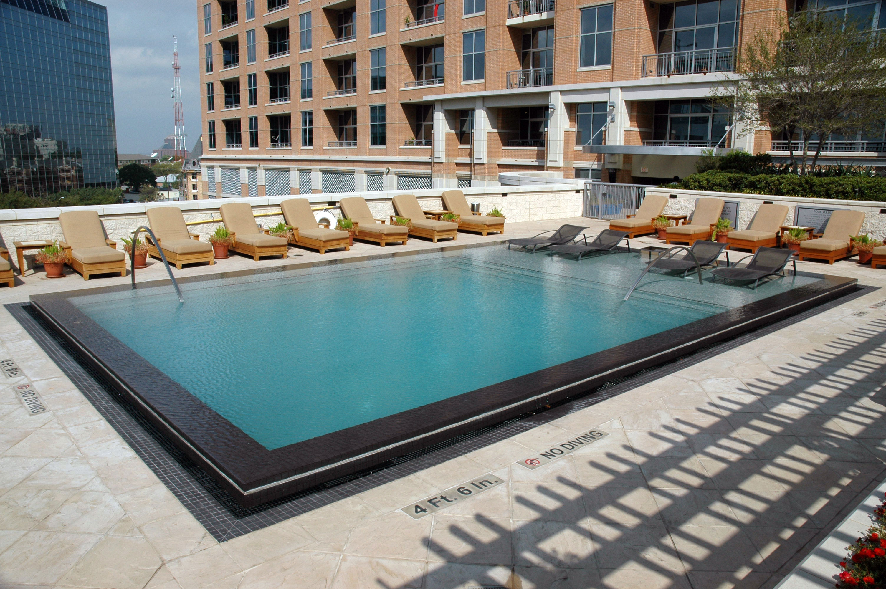 Commercial dallas swimming pools pool contractor for Commercial pools
