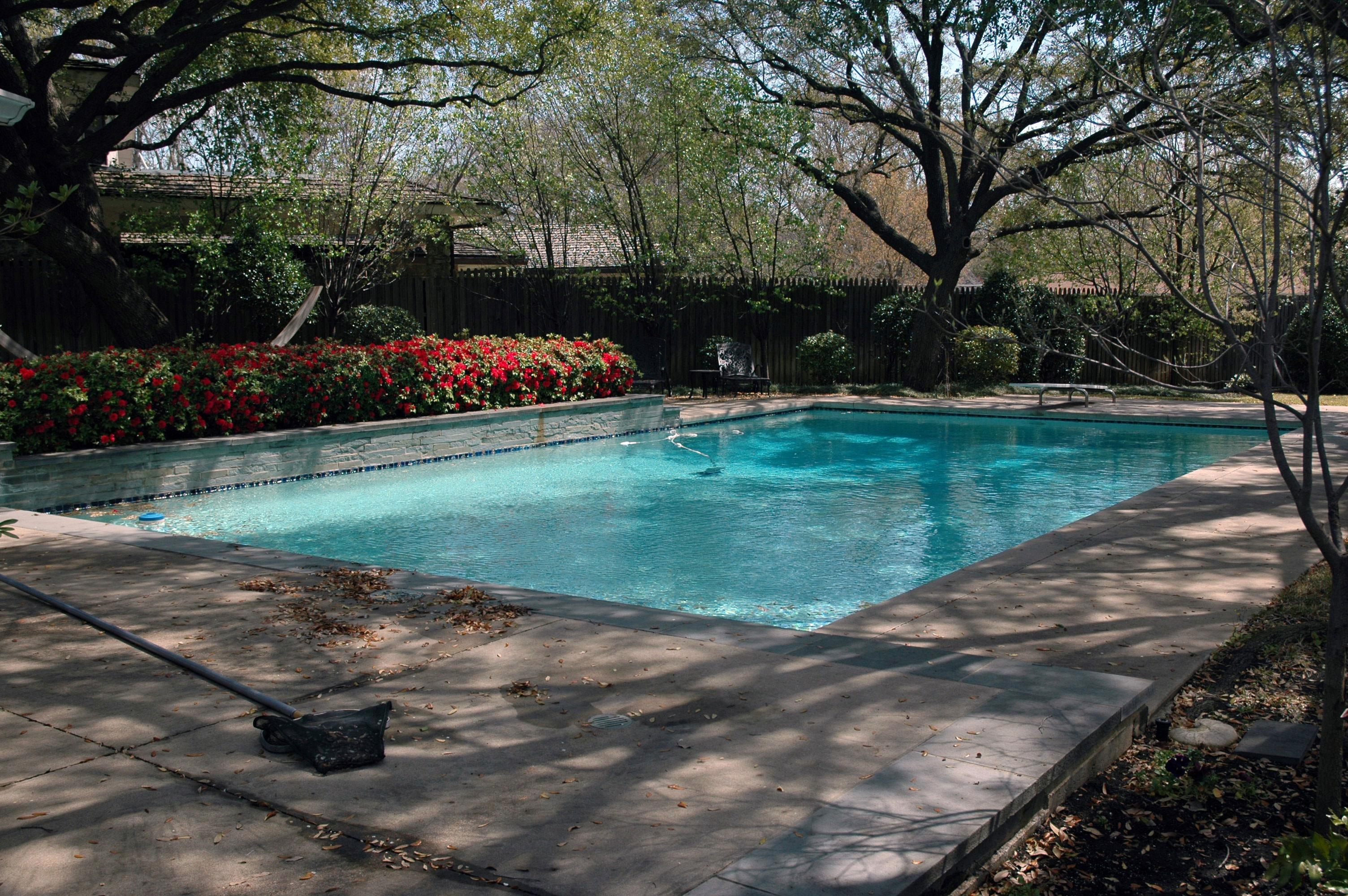 Pool 104