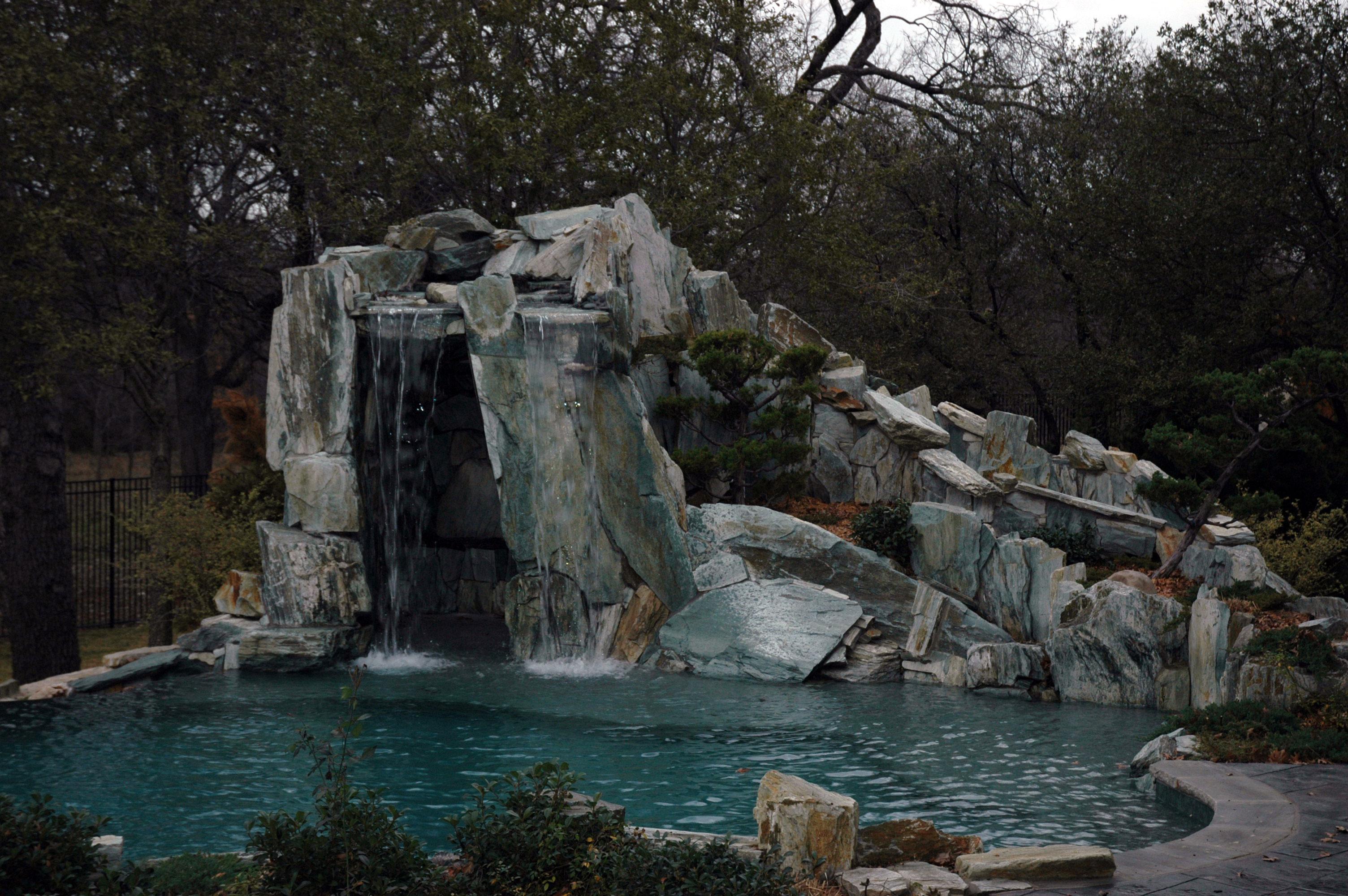 Rock Grottos 10
